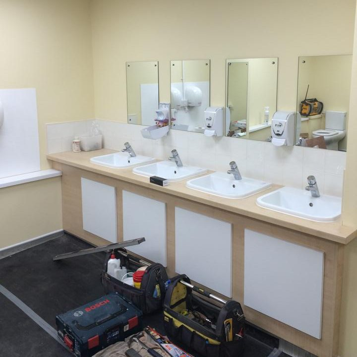 commercial bathroom fitter